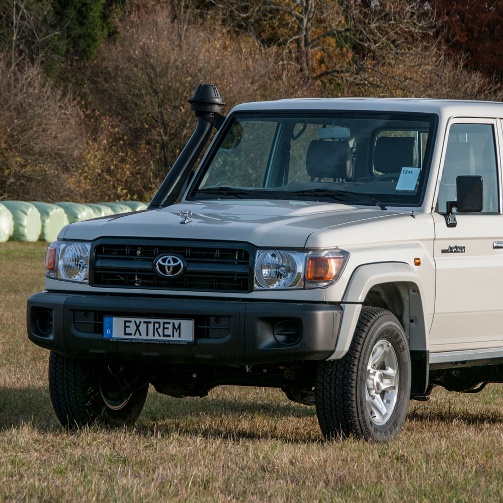 GRJ79 Double Cab Lackierung: weiss - 058