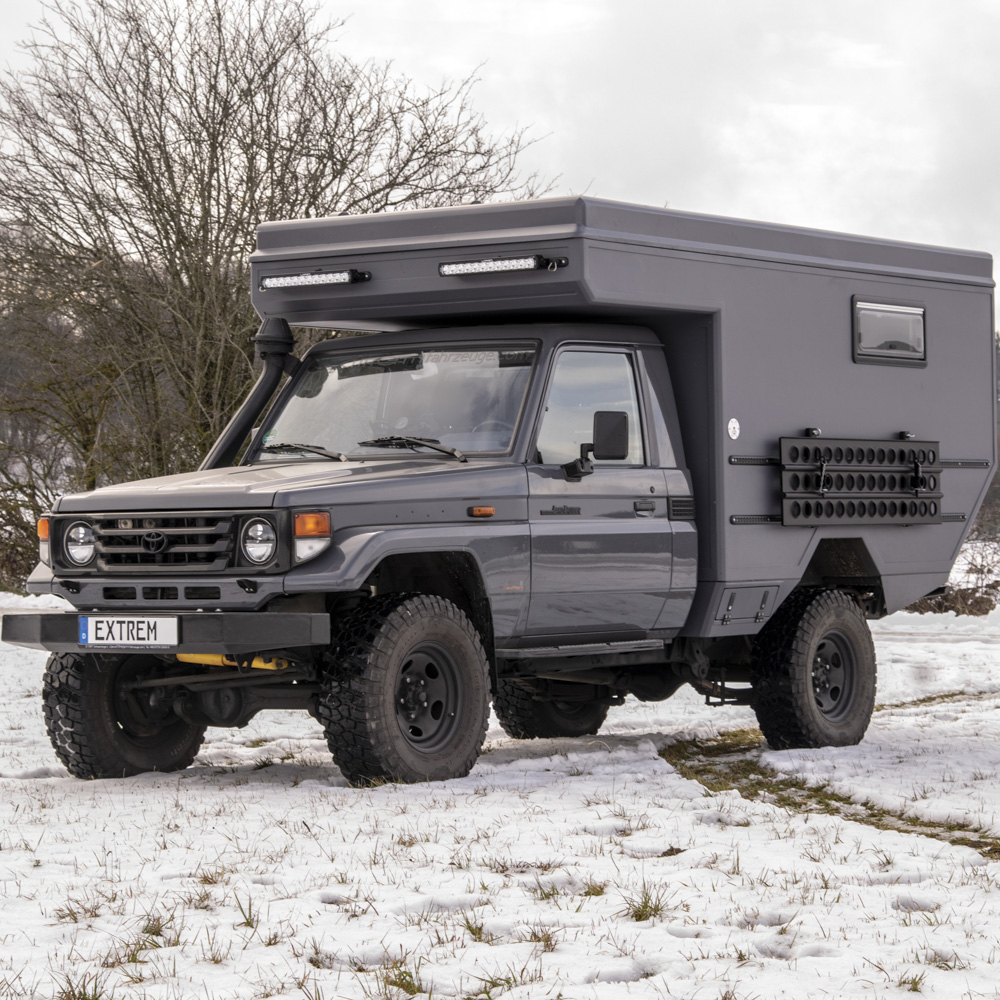 MONOLITH FLEX auf Toyota Land Cruiser GRJ79 Single Cab